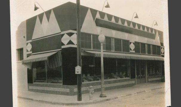timeline-1926-second-store-del-rio